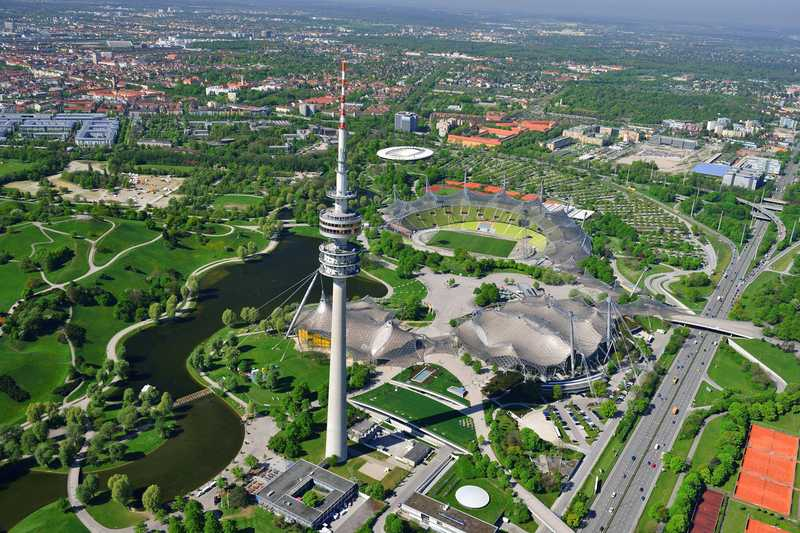Olympia_Park_Muenchen_mit_Stadt_02